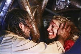 ... Et on recommence  : Qui aide Sawyer à creuser la tombe de Juliet ?