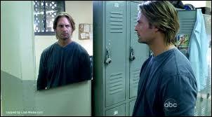 L'Eclaireur  : Quel est le travail de Sawyer dans les flashs parallèles ?