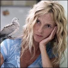 Quel est ce film de Yves Caumon sorti en janvier 2012 avec Sandrine Kiberlain ?