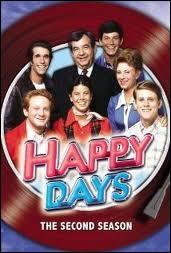 Dans ''Les Jours heureux'' (''Happy Days'' ), c'est Richie Cunningham qui tient le premier rôle mais quel est le surnom du gentil loubard à moto qui crève l'écran à ses côtés ?
