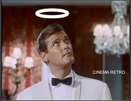 Roger Moore a aussi joué le rôle-titre dans la série ''Le Saint'' . Pourquoi le héros est-il surnommé ainsi ?