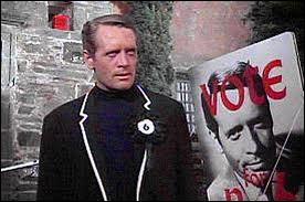 Dans ''Le Prisonnier'' , Patrick McGoohan faisait partie des détenus d'un étrange village. Il criait parfois : ''Je ne suis pas un numéro ! ... Je suis un homme libre ! '' Quel numéro portait-il ?