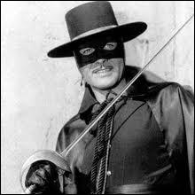 ''Un cavalier qui surgit hors de la nuit court vers l'aventure au galop. Son nom, il le signe à la pointe de l'épée d'un Z qui veut dire Zorro ! '' Quel personnage Zorro déteste-t-il ?