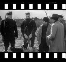Ce film réalisé par Jean Renoir en 1939, peint les moeurs de l'aristocratie et de la grande bourgeoisie des années 30 ... .