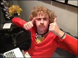 Qu'a fait Niall dès qu'il a commencé à gagner de l'argent ?