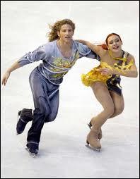 Qui ne pratique PAS le patinage artistique ?