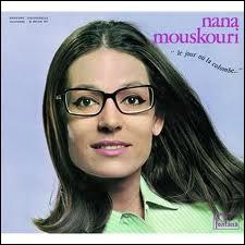 A qui Nana Mouskouri dit-elle Adieu ?