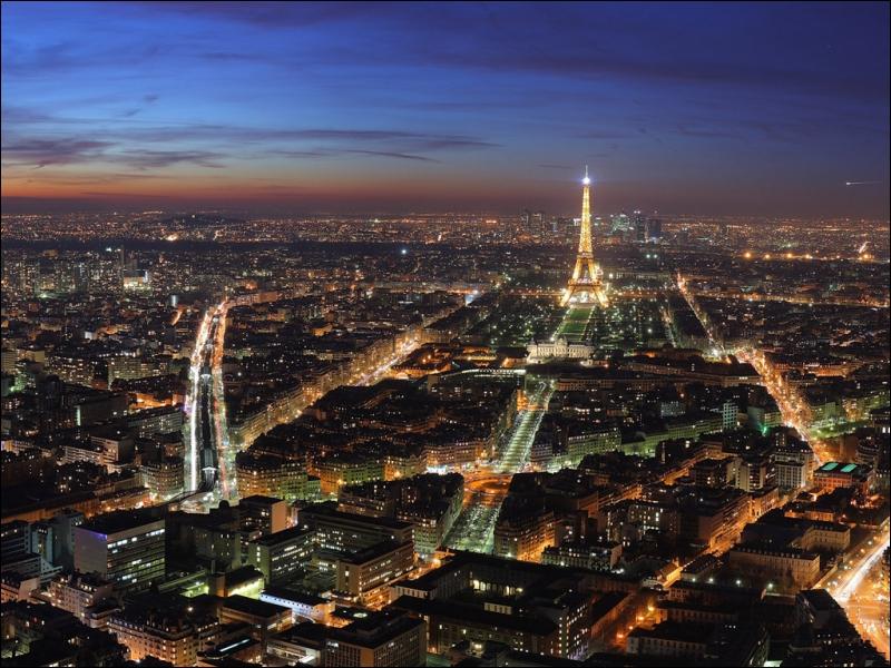 Reconnaissez-vous cette capitale et sa tour qui fut le plus haut monument du monde jusqu'en 1930 ?