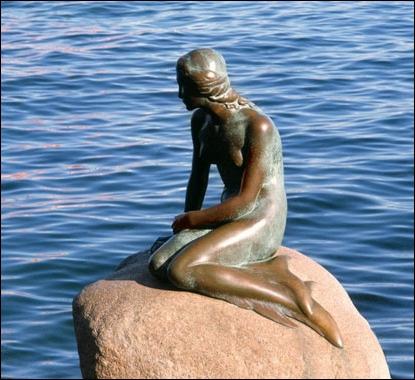 Dans quel pays peut-on admirer cette statue mondialement connue représentant la Petite Sirène ?