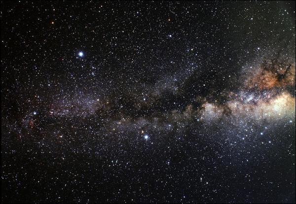 Quel est le nom de cette constellation située au milieu du triangle d'été ?