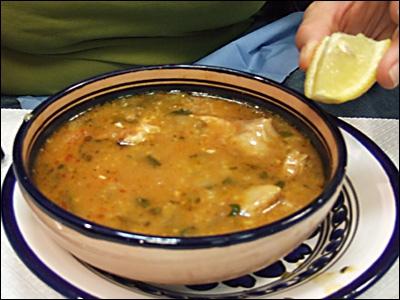 Quels sont les principaux ingrédients de cette soupe orientale nommée chorba ?