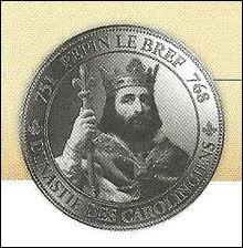 Pépin le Bref appartenait à quelle dynastie des rois de France ?