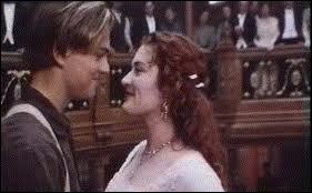 Pourquoi revoit-on Jack et Rose dans la dernière scène du film ?