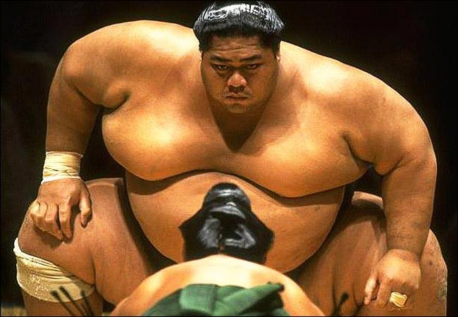 Quel président français est friand de sumo et faisait fréquemment des voyages au Japon pour y assister ?