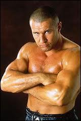 Le Français Jérôme Le Banner (1,90 m pour 120 kg) a été champion du monde poids lourds de boxe...