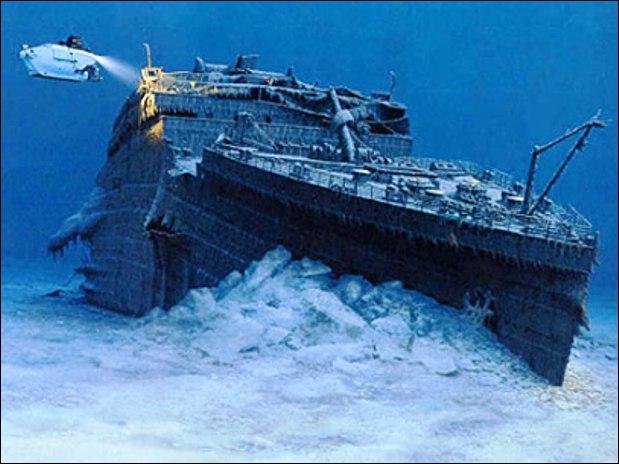 Quel est le nom du capitaine qui dirigea le Titanic, lors des essais techniques ?