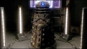 (Episode 6) Où et en quelle année se trouvent le Docteur et Rose ?