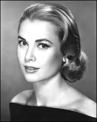 13e plus grande actrice de tous les temps selon l'American Film Institute, mais également Altesse sérénissime à la fin tragique et prématurée, il s'agit bien sûr de...