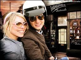 (Episode 7) En quelle année se trouvent Rose et le Docteur ?