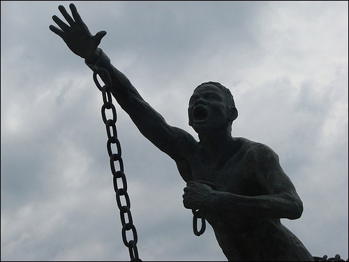 Quel pays abolit le premier l'esclavage en 1792 ?