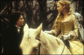 La blonde à anglaises sur le cheval, c'est Christina Ricci qui s'adresse ici à Johnny Depp. Ce film gothique de Tim Burton est ?