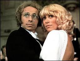 Tout le monde se souvient du film, très drôle, mais surtout de la robe de la blonde du film, Mireille Darc. C'est ?