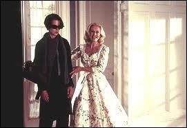 Voici Glenn Close, très pimpante, aux côtés d'une Nicole Kidman bien défaite. Quelle est cette comédie grinçante, remake d'un film d'horreur ?