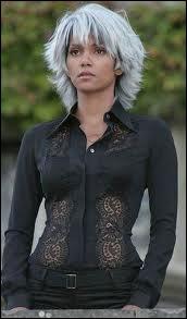 Hally Berry est presque blonde dans ce film de super-héros dans lequel elle est Tornade (Storm), c'est la saga ?