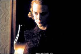 Nicole Kidman est assez extraordinaire dans ce film angoissant qui fut un grand succès, dans lequel elle refuse l'évidence. C'est ?