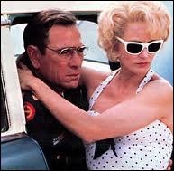 Jessica Lange obtint un Oscar pour ce rôle d'épouse du militaire Tommy Lee Jones. Quel est ce film ?