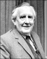 Que signifient les trois initiales de l'auteur du roman ''Le Seigneur des anneaux'' J.R.R. Tolkien ?