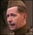 Gary Oldman joue Richard Crosby acteur et partenaire de Joey dans un film. Quel est son défaut ?