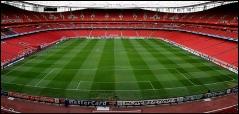 Emirates Stadium  est le stade du club ...