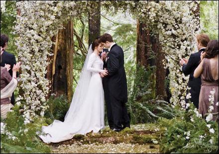 Quelles sont les phrases dites par Edward, lors du discours de mariage(dans l'ordre) ?