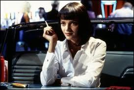 La brune fatale dans la fameuse scène de danse du film qui fut récompensé à Cannes, réalisé par un ex - vendeur de magasin de vidéo-K7. C'est Uma dans ?