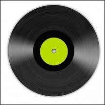 En quelle année le disque microsillon ou vinyle a-t-il été inventé ?