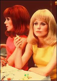 L'un des films les plus connus et appréciés de Jacques Demy, avec les vraies soeurs dans la vie, Françoise Dorléac la rousse et Catherine Deneuve la blonde. C'est ?