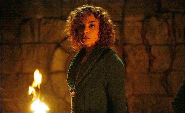 Anna va dans la crypte pour sauver :
