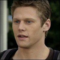 Avec qui Matt est-il sorti après sa rupture avec Elena ?