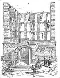 Rue de la Grange-aux-Belles était situé le gibet royal de Montfaucon. Des poutres étaient disposées horizontalement. Quel titre de noblesse avait droit à 8 poutres ?