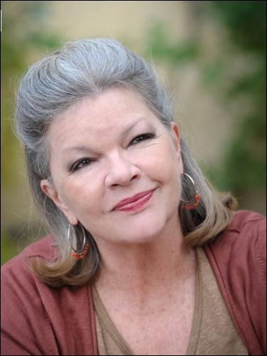 Actrice née en 1946, elle est connue pour avoir été la partenaire de Roger Hanin dans  Navarro . Elle fait ses véritables débuts au cinéma en 1965 dans  Lady L  de Peter Ustinov.