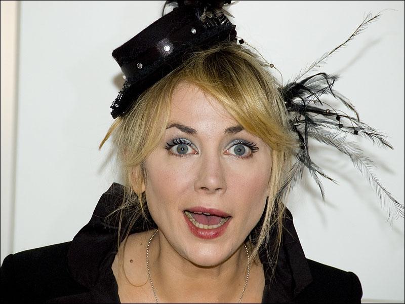 Actrice née en 1973, elle fait sa première apparition au cinéma en 1994 dans  Le colonel Chabert  d'Yves Angelo. Elle y joue aux côtés de son père.