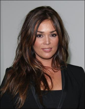Actrice née en 1979, elle fait sa première apparition au cinéma en 2007 dans  Curriculum  de Alexandre Moix. Son dernier film,  Mince alors  de Charlotte de Turckeim, est actuellement à l'affiche.