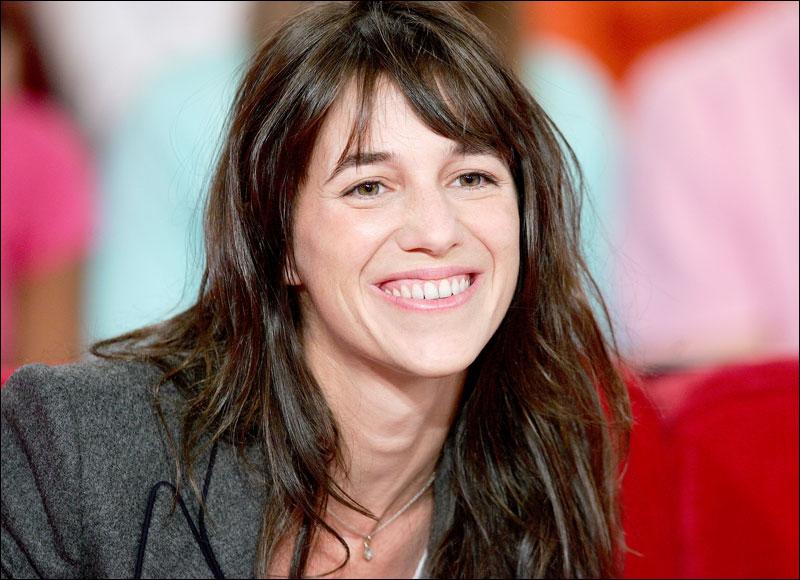 Actrice et chanteuse née en 1971, elle apparait pour la première fois sur grand écran en 1984 dans  Paroles et musique  d'Elie Chouraqui.