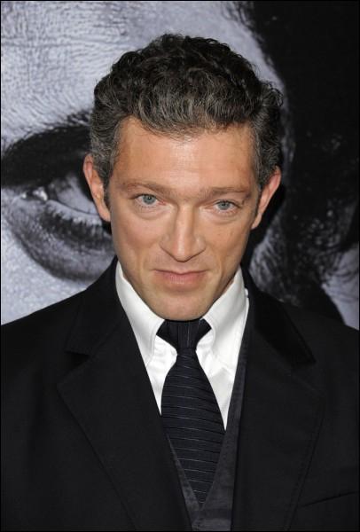 Acteur né en 1966, il fait ses débuts sur grand écran en 1988 dans le film  Les cigognes n'en font qu'à leur tête  de Didier Kaminka.