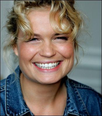 Actrice née en 1977, elle apparait pour la première fois dans un long métrage en 2005 dans  Mon petit doigt m'a dit  de Pascal Thomas.