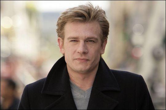 Acteur né en 1971, il obtient son premier grand rôle en 1991 dans  Tous les matins du monde  d'Alain Corneau. Il y joue le rôle du musicien Marin Marais jeune et son père le rôle plus âgé.