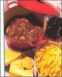 Spécialité du Gard, la macaronade est un plat de macaronis et brageoles. Que sont les brageoles ?