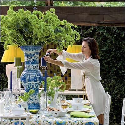 La beauté de ce bouquet tient à son vase splendide et coloré, mais aussi au volume et à la longueur des tiges, permettant aux fleurs de se courber grâcieusement. Ce sont ?