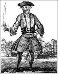 Edward Teach était un pirate écumant les mers sur son navire  La revanche de la Reine Mary . Féroce, il mourut en combattant lors d'un abordage par la Royal Navy. Il s'agit de ?